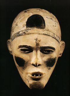 Masque Kongo. Pays : Zaïre