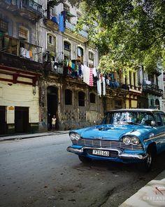 Cuban Car in La Havane. Love the colours of this image.
