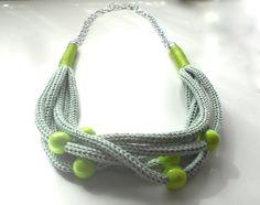 Collana color verde mela effetto Tricot