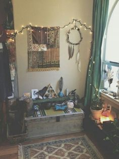I don't have a lot of money or space so i find little nooks like this delightful