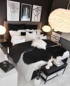 bedroom design Easy Tips Small Master Bedrooms Decor That You Must Know Glam Bedroom, Room Ideas Bedroom, Home Decor Bedroom, Bedroom Wall, Bedroom Black, Ladies Bedroom, Diy Living Room Decor, Interior Livingroom, Cozy Bedroom