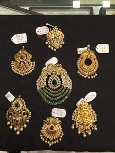 Gold Jewelry Making Emerald Jewelry, Gold Jewellery, Jewelery, Gold Pendent, Gold Chain Design, Gold Hair Accessories, Golden Jewelry, Pendant Design, Jewelry Patterns