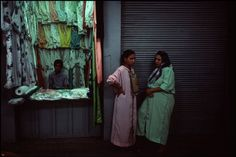 bruno barbey - morocco. fez. souk. 1991. (magnum photos)