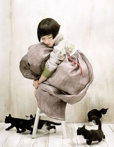 traditional Korean Dress and cute kitties!