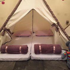 Cabana para festa do pijamas locação Tenda Grande, Musketeers, Outdoor Gear, Cabana Ideas, Decorative Items, Decorative Throw Pillows