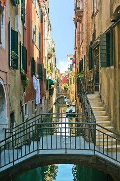 #Canales y #puentes en Venecia Todo sobre #Venecia en www.quieroitalia.com/venecia.asp