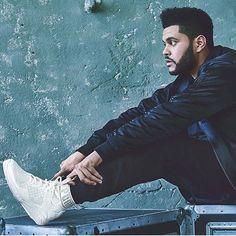 The Weeknd conquista las calles con su estilo y sus IGNITE evoKNIT. Disponibles en @pumastorepty  Altaplaza Mall  MetroMall y en Soho Mall. #RunTheStreets @theweeknd