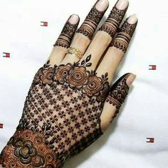 Henna Tattoo Designs Images - 100 Wedding Henna Designs on Hand for Brides. this is the best henna tattoo images collection with various pattern Wedding Henna Designs, Rose Mehndi Designs, Engagement Mehndi Designs, Indian Mehndi Designs, Henna Art Designs, Modern Mehndi Designs, Mehndi Designs For Girls, Mehndi Design Photos, Mehndi Designs For Fingers