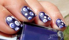 Retro dot nails