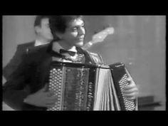 Alain Musichini, Aimable und Armand Lassagne spielen in einem alten Film-Dokument die Tangos Buscando und La Cumparsita. Stichworte: #Accordion #Music #Video #Ensemble #Trio #Vintage #World