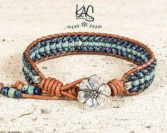 Beaded Leather wrap bracelet-Blue and Silver wrap bracelet for women Wickelarmband aus Leder m Diy Bracelets With Names, Wrap Bracelets, Beaded Leather Wraps, Leather Cord, Super Duo Beads, Leather Jewelry, Leather Bracelets, Jewelry Making Beads, Diy Jewelry