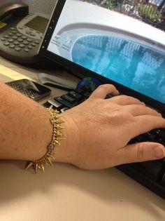 Renegade Cluster: the bracelet that still lets you type! In gold, silver, or rose gold, www.stelladot.com/halavfurst Or Rose, Rose Gold, Daily Dot, Dots, Type, Bracelets, Silver, Stitches, Bracelet
