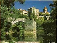 France,_Pyrenees-Atlantiques,_Sauveterre-du-Bearn,_Village