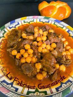 Beef Tagine with Chickpeas Beef Tagine, Algerian Recipes, Algerian Food, Vegan Junk Food, Ramadan Recipes, Vegan Smoothies, My Best Recipe, Dairy Free Recipes, International Recipes