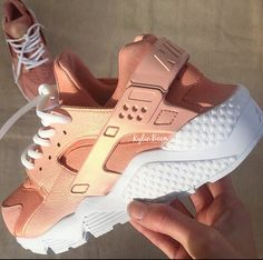Pearl Rose-Gold Huarache (white sole)The canvas for this custom is a triple White Nike Huarache. These are customised shoes and are made to order to each individual customer order.Upon purch. White Huaraches, Huaraches Shoes, Nike Shoes Huarache, Nike Huarache Women, Cute Sneakers, Sneakers Mode, Sneakers Fashion, Sneakers Style, Shoes Style