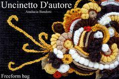 Borsa in ciniglia di lana e viscosa, lavorata su rete,dettagli in freeform , misure: H23 - L26 - P5 #uncinettodautore #analuciabandoni #freeform #bag #uncinetto #borsa #handmade
