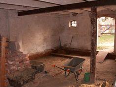 Fußboden - Dämmung gegen Erdreich: Geovlies - GlasschaumSchotter- Geovlies - 2,5cm dicke Traßzementestrichschicht - Holzdielen und Hanffaser-Dämmwolle