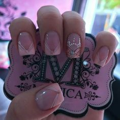 Will this fit for a wedding set 😍 Fabulous Nails, Perfect Nails, Gorgeous Nails, Pretty Nails, Fun Nails, Rose Nail Design, Rose Nails, French Tip Nails, Stylish Nails