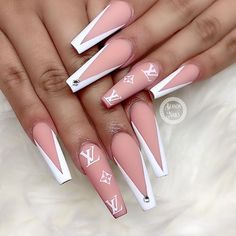 Gucci Nails, Burberry Nails, Acylic Nails, Nagel Bling, Bling Acrylic Nails, Glow Nails, Nails Now, Cute Acrylic Nail Designs, Fire Nails
