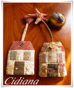 Fun Crafts, Diy And Crafts, Arts And Crafts, Small Sewing Projects, Ornament Tutorial, Key Covers, Patchwork Patterns, Rug, Fabric Crafts