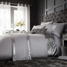 GC Glamorous Glittery Shiny Designer Style Duvet Cover Sets Quilt Cover Sets Bedding Sets with Pillowcases (White, Matching Cushion Cover) Bedroom Comforter Sets, Duvet Bedding, Pink Bedding, Duvet Sets, Luxury Bedding, Bed Sets, Luxury Bedroom Design, Bedroom Furniture Design, Bedroom Decor