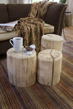 Tree stump table with casters diy crafts & projects мебель с Tree Stump Furniture, Log Furniture, Furniture Ideas, Western Furniture, Tree Stump Coffee Table, Tree Table, Diy Table, Wood Table, Barn Table