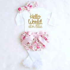SWEETEST Personalized BABY OUTFIT EVER. How Pretty will her name look in this GORGEOUS gold writing?! Perfect for a Coming Home Outfit, Newborn photo shoot, Baby Shower Gif...