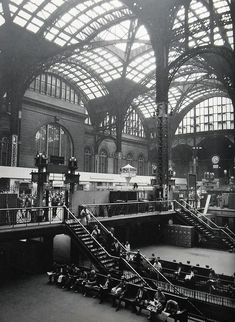 New York City, Old Penn Station, by Christian Montone Old Pictures, Old Photos, Vintage Photos, Antique Pictures, Photo New York, Ville New York, A New York Minute, Old Train Station, Vintage New York