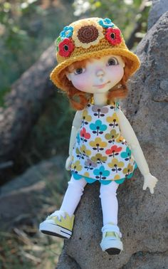 Adorable FLOWERED outfit and hat set for Connie Lowe SPROCKET doll * BJD