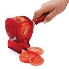 Suporte para cortar Tomate de Plástico com Faca :: Que Cozinha!