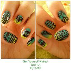 Ombré Aztec green and black nails, nail art Get yourself nailed - nail art