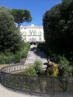 Vista frontale del #Museo della Ceramica Duca di Martina all'interno della Villa Floridiana di #Napoli