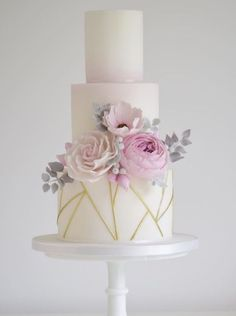Featured Cake: Cotton & Crumbs; www.cottonandcrumbs.co.uk; Wedding cake idea. #modernweddingcakes
