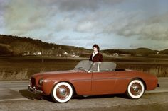 On 2 June 1954 the two-seater roadster, the Volvo Sport, and the company's first sports car, made its debut. But a low weight and reliable Volvo technology were not enough - production was shut down after just 67 had been built. Yoga Routine, Volvo Cabrio, Volvo Xc60, Vintage Motorcycles, Cars Motorcycles, Volvo Convertible, Yoga Fitness, Vintage Cars, Antique Cars