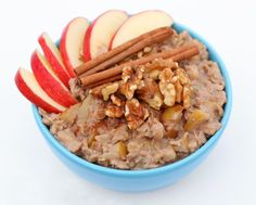 For the first time all winter, today actually feels like winter. Since it was gloomy and a super chilly low of 60 degrees, I was craving a warm bowl of oatmeal. This recipe is extremely thick, filling, and naturally sweet. Stay warm little snow bunnies! Apple Pie Oatmeal Serves 1 1 fuji or gala apple, … Read more...