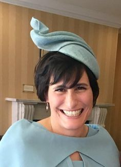 08343ab5f6 A happy Kate Betts Hats customer on her special occasion. Katherine wears  La Brisa on · Mother Of The Bride ...