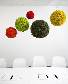 Polarmoss spheres | Gardenista Moss Wall Art, Moss Art, Vertical Garden Plants, Moss Decor, Indoor Greenhouse, Natural Interior, Creative Decor, Handmade Home, Home Interior Design