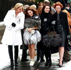Samantha Jones , Carrie Bradshaw , Charlotte York and Miranda Hobbes Carrie Bradshaw Outfits, Carrie Bradshaw Style, Big Fashion, Winter Fashion, Samantha Jones, City Outfits, Chef D Oeuvre, Sarah Jessica Parker, City Bag