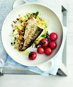 Täydellinen kesäruoka! Grillatun siian salaisuus on mehevä täyte sekä ripaus itse tehtyä sitruunasuolaa.