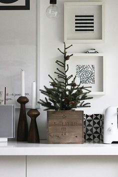 21 small Scandinavian Christmas designs to redefine your holiday - . - 21 small Scandinavian Christmas designs to redefine your holiday – - Minimal Christmas, Noel Christmas, Scandinavian Christmas, Christmas And New Year, Simple Christmas, Winter Christmas, Christmas Ideas, Modern Christmas, Christmas Tables
