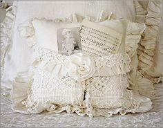 Beautiful vintage pocket pillow from Katie's Rose Cottage Designs Shabby Chic Crafts, Vintage Crafts, Vintage Decor, Rustic Decor, Crochet Designs, Crochet Patterns, Homemade Pillows, Sewing Projects, Craft Projects