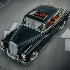 """The Laguna Beach Concours """"Best of Show""""-winning, fully restored 1961 300d """"Adenauer"""". MBPhotocredit @roycer924 (by: mbclassiccenter )"""