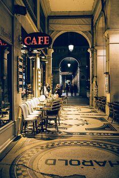 Midnight in Paris by Alex Bogdanov on Beautiful Paris, I Love Paris, Most Beautiful Cities, Casablanca, Paris Study Abroad, Parvis, Green Scenery, Harlem Nights, Paris Architecture