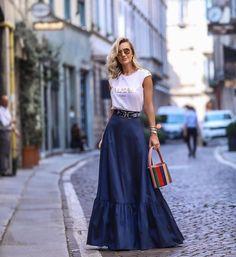 Long Skirts: Veja como usar as maxi saias - Glanz Paris Chic, Modest Fashion, Fashion Dresses, Apostolic Fashion, Modest Clothing, Fashion Styles, Dress Skirt, Dress Up, Maxi Skirts