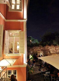 Ένα από τα πιο όμορφα διατηρητέα της πόλης ζωντανεύει Thessaloniki, Uber, A3, Greece, Spaces, Mansions, House Styles, City, Outdoor Decor