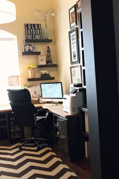Render their home to be a home office at which they conduct their works. That's why more people draw to seek for customized home office organizing ideas. Home Office Space, Home Office Design, Home Office Decor, Office Ideas, Home Decor, Office Furniture, Style At Home, Men's Home Offices, Home Office Organization