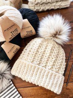Crochet Adult Hat, Bonnet Crochet, Crochet Beanie Pattern, Crochet Mittens, Mittens Pattern, Crochet Blanket Patterns, Crochet Stitches, Knitted Hats, Crochet Hats