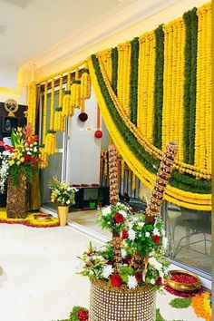 Desi Wedding Decor, Wedding Hall Decorations, Diy Wedding Backdrop, Marriage Decoration, Wedding Entrance, Wedding Mandap, Backdrop Decorations, Garland Wedding, Wedding Chairs