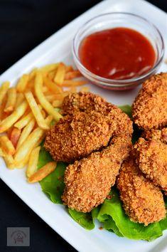 Aripioare de pui crocante a la KFC - CAIETUL CU RETETE Kfc, Real Food Recipes, Cooking Recipes, Healthy Recipes, Good Food, Yummy Food, Tasty, Fried Chicken Recipes, Baked Chicken