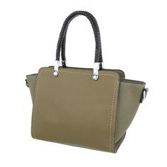 22,99 € - Stylische Tasche im angesagten Look. Das Obermaterial besteht aus strapazierfähigem Kunstleder. Ob zur Uni, zum Shopping-Trip oder anderen Freizeitaktivitäten - mit dieser tollen Tasche sind Sie stets gut ausgestattet.